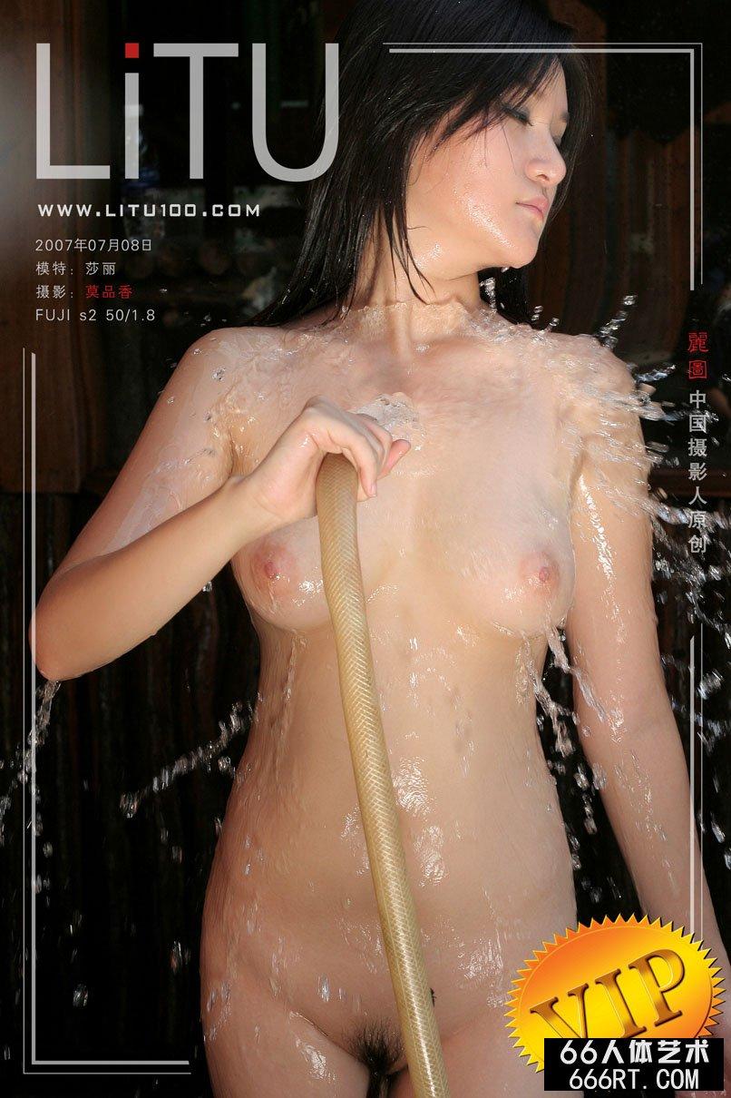 美胸超模莎莉07年7月8日外拍_百度人体艺术