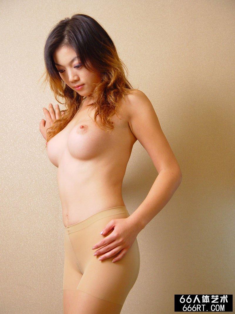 模特毓惠06年9月24日室拍性感丝袜人体
