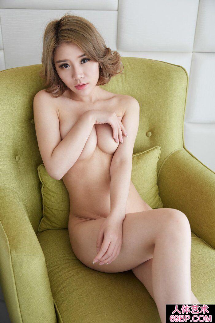 洋气的华裔裸模Lisa私家人体写照