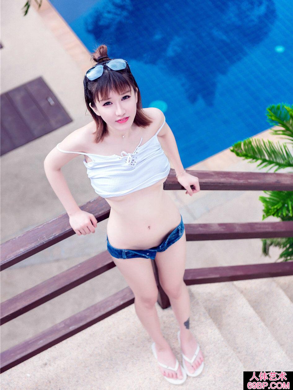 普吉岛海景酒店外拍时尚美人k8内衣