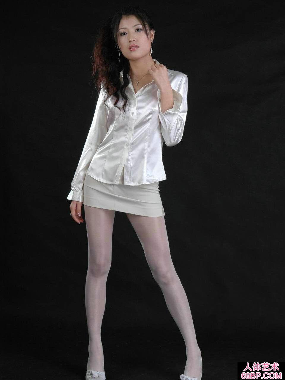 国模梅婷穿超薄薄丝人体图片